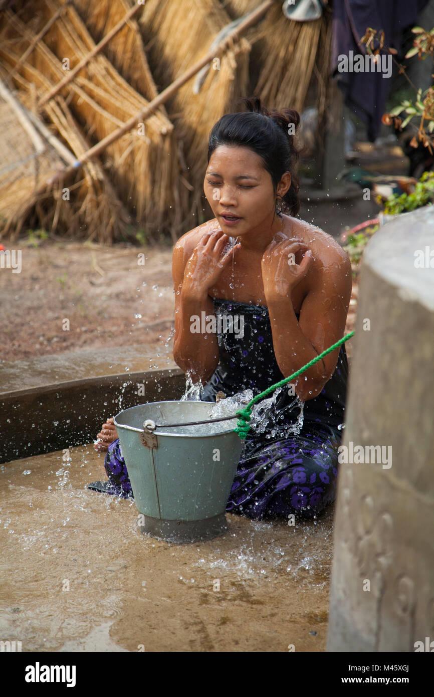 Asian Child Bathing Stock Photos Amp Asian Child Bathing
