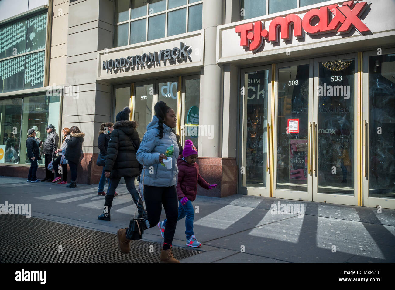 https www alamy com stock photo off price retailers nordstrom rack and tj maxx share space in a building 177514900 html