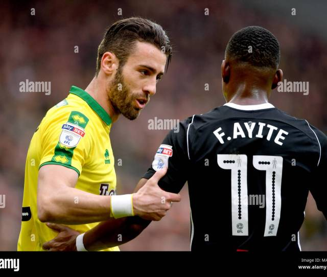 Norwich Citys Ivo Pinto Left Talks To Fulhams Floyd Ayite During The Sky Bet Championship Match At Carrow Road Norwich