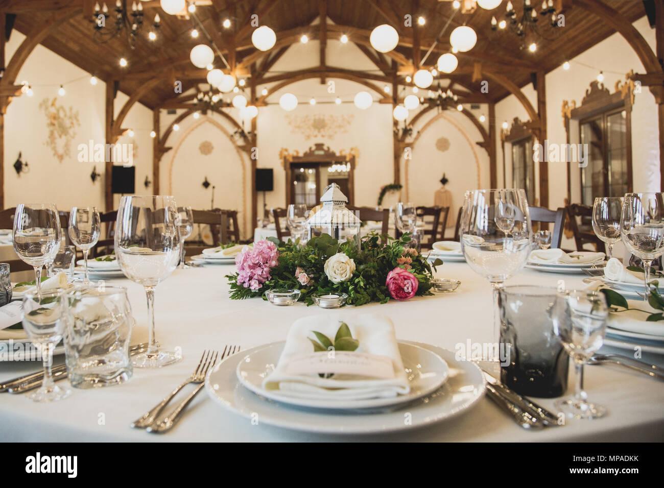 Cheap Wedding Reception Decorations