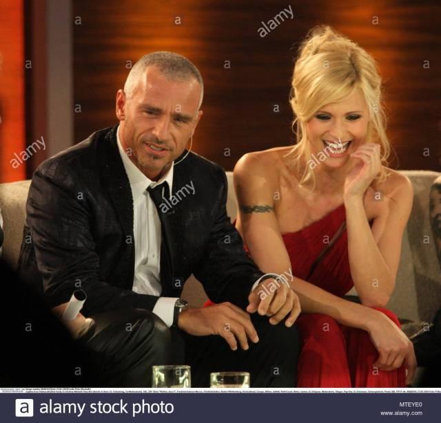 Eros Ramazotti And Michelle Hunziker Italian Actress Michelle Hunziker And Her Ex Husband Eros Ramazotti On The German Tv Show Wetten Dass