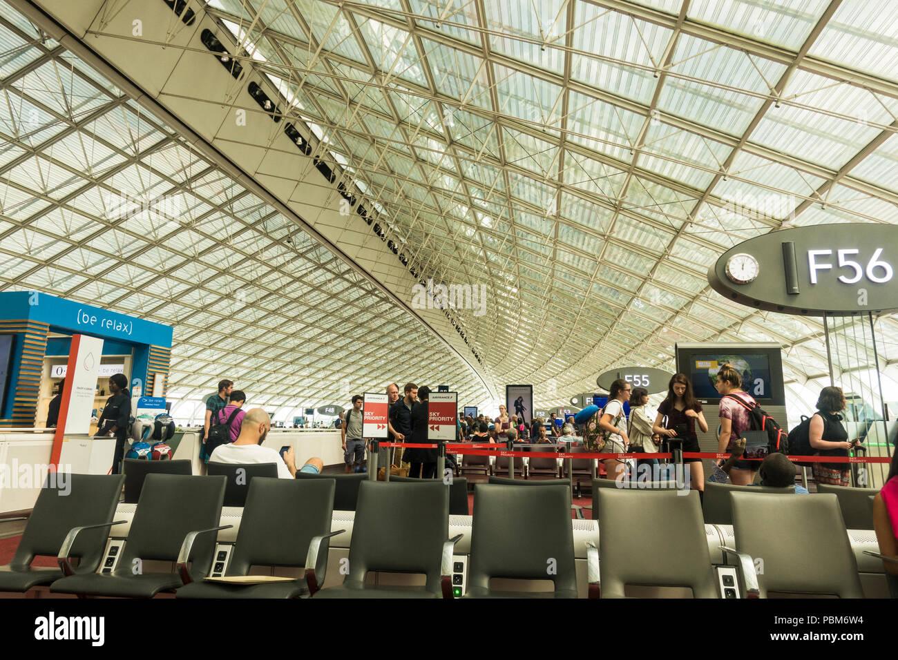 Terminal Gates Charles De Gaulle Stock Photos Amp Terminal