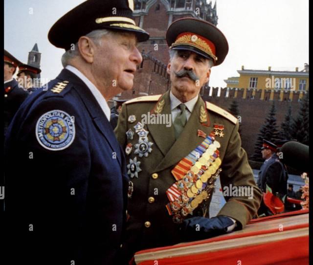 Prod Db A Warner Bros Dr Police Academy Mission A Moscou Police Academy Mission To Moscow Police Academy 7 De Alan Metter 1994 Usa Avec George Gaynes