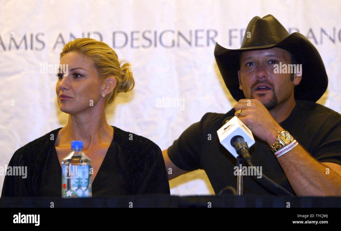 Faith Hill With Husband Stock Photos Amp Faith Hill With