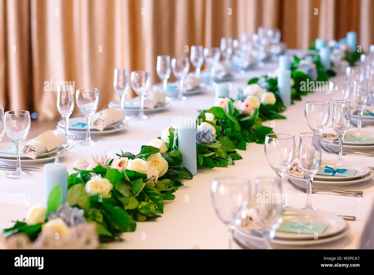 Wedding Table Settings Empty Plates And Glasses On A White Tablecloth Stock Photo Alamy