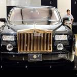 A Gold Plated Prolonged Rolls Royce Phantom Limousine Is Seen On Display During The 16th Dalian International Automotive Exhibition In Dalian City No Stock Photo Alamy