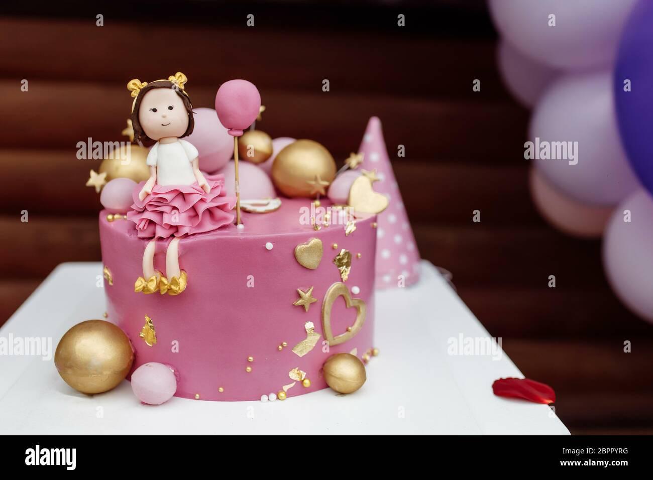 1 Year Old Birthday Cake Stockfotos Und Bilder Kaufen Alamy