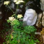 Art Matt Baker Skulptur Herz In Landschaft Stein Geschnitzte Gesicht Am Cairnsmore Der Flotte National Nature Reserve Galloway Uk Stockfotografie Alamy