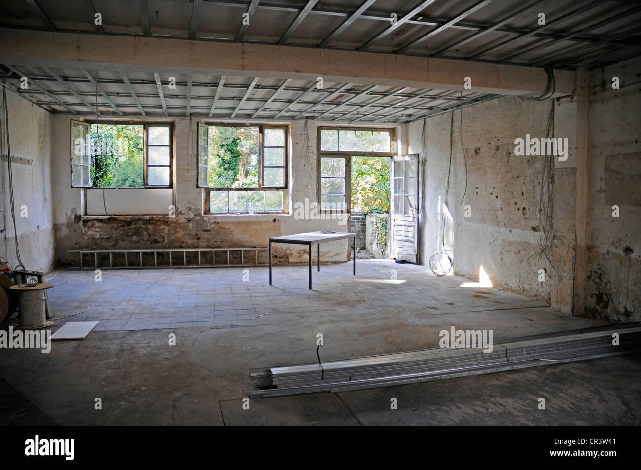 Fenster, Decke, Altbau, Sanierung, Wohnungsbau, Hausbau, Baustelle
