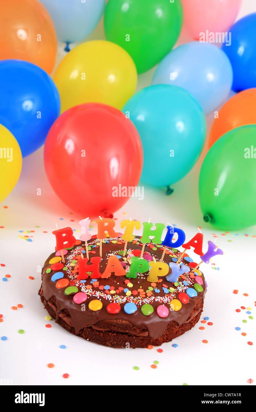Happy Birthday Cake Balloons Confetti Stockfotos Und Bilder Kaufen Alamy