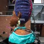 Grosse Grossen Frisur Haare Tun Papier Mache Skulptur Stockfotografie Alamy