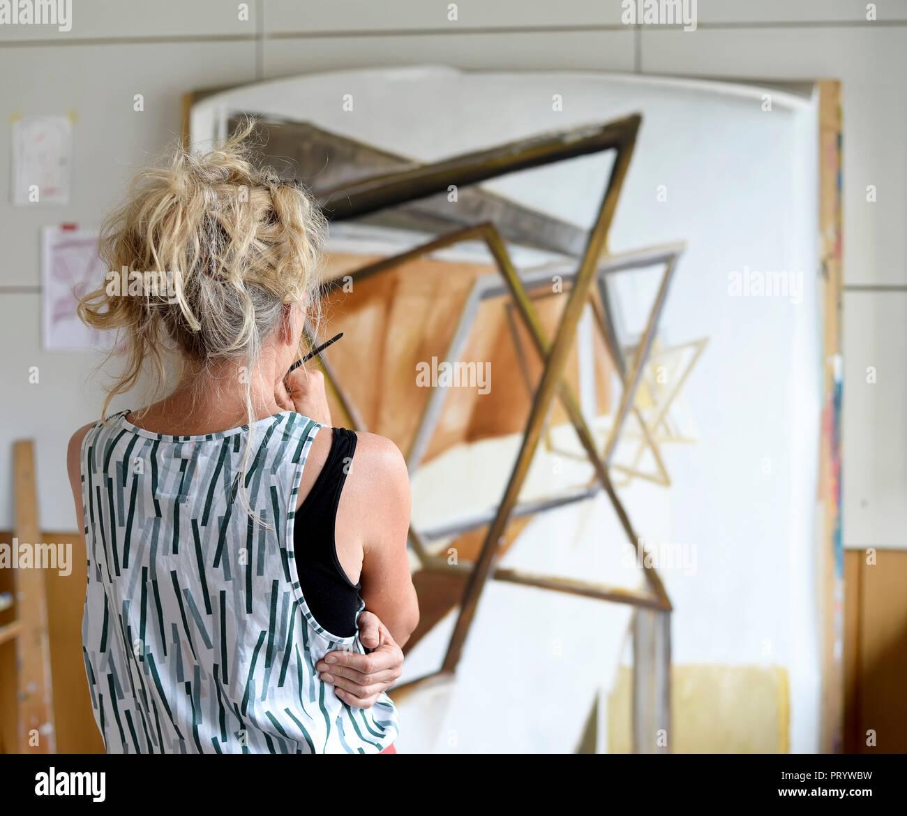 Toile Dans L Atelier Malerei Von Hartiste Artmajeur