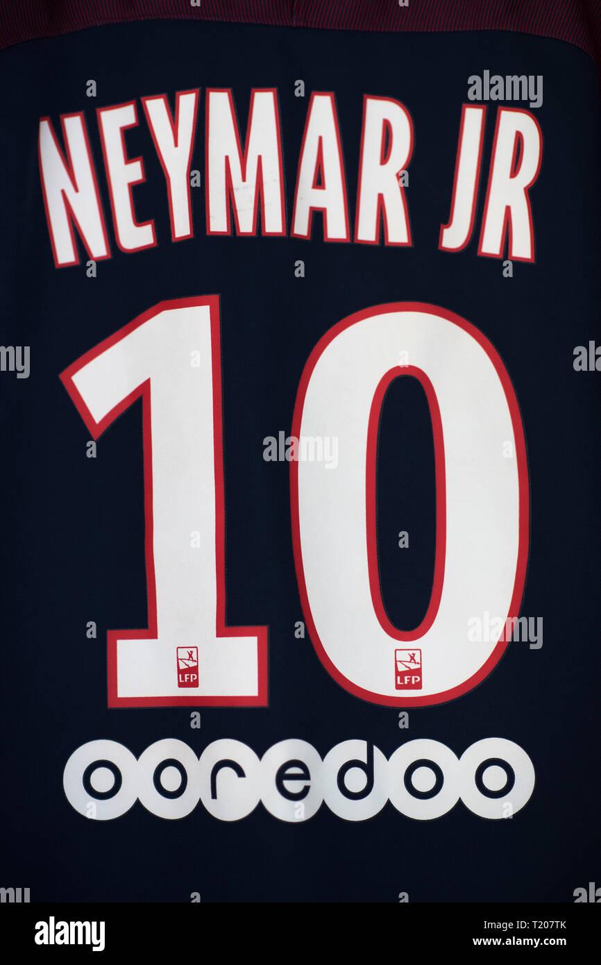 nahaufnahme von psg neymar jersey