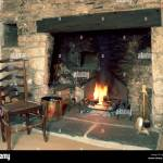 Chaise Au Coin Du Feu De Cheminee En Pierre Ancienne Par Photo Stock Alamy