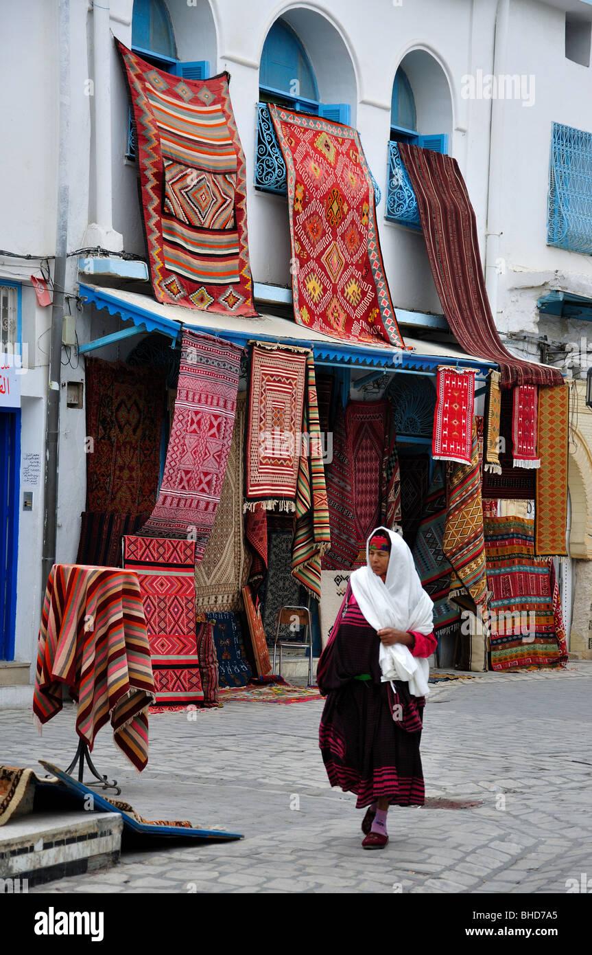 https www alamyimages fr photo image magasins de tapis kairouan kairouan kairouan medina gouvernorat tunisie 27950669 html