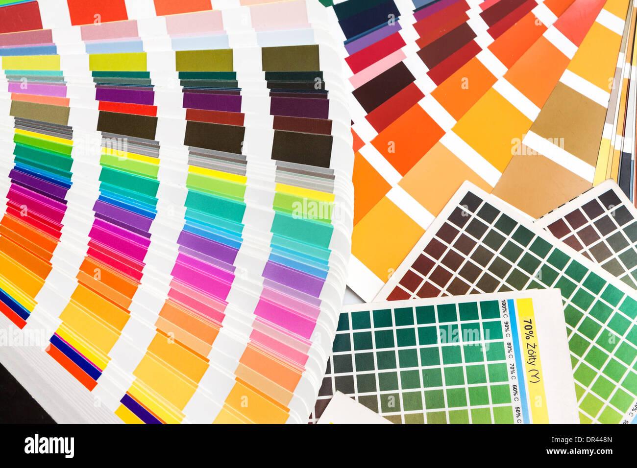 Cmjn Pantone Ral Couleurs Types Catalogue Nuanciers Photo Stock Alamy