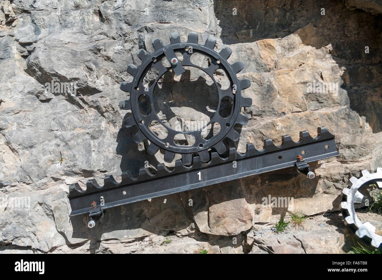 https www alamyimages fr photo image l article de la cremaillere systeme strub et pignon comme utilise sur beaucoup de fer a cremaillere invente par l ingenieur suisse emil strub 92349244 html