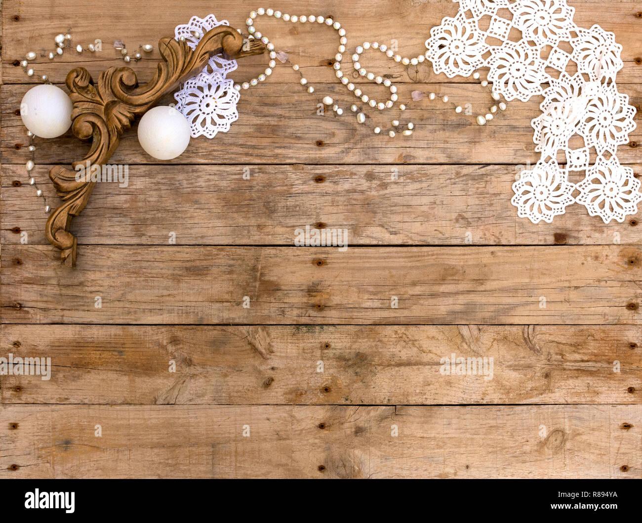 https www alamyimages fr image de carte postale de noel sur fond de bois pour la carte de voeux fond d ecran de noel en bois et objets vintage blanc image228853502 html