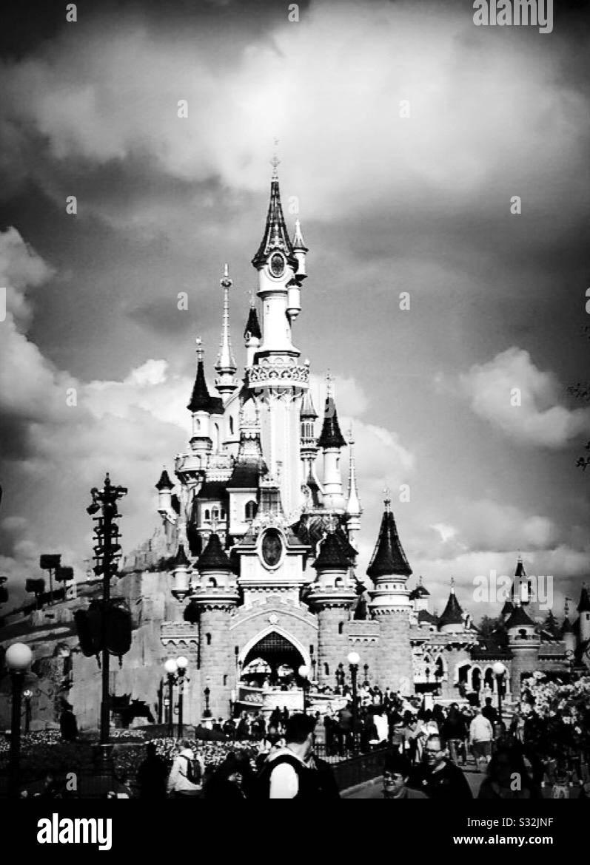 Photo En Noir Et Blanc De Disneyland Paris Photo Stock Alamy