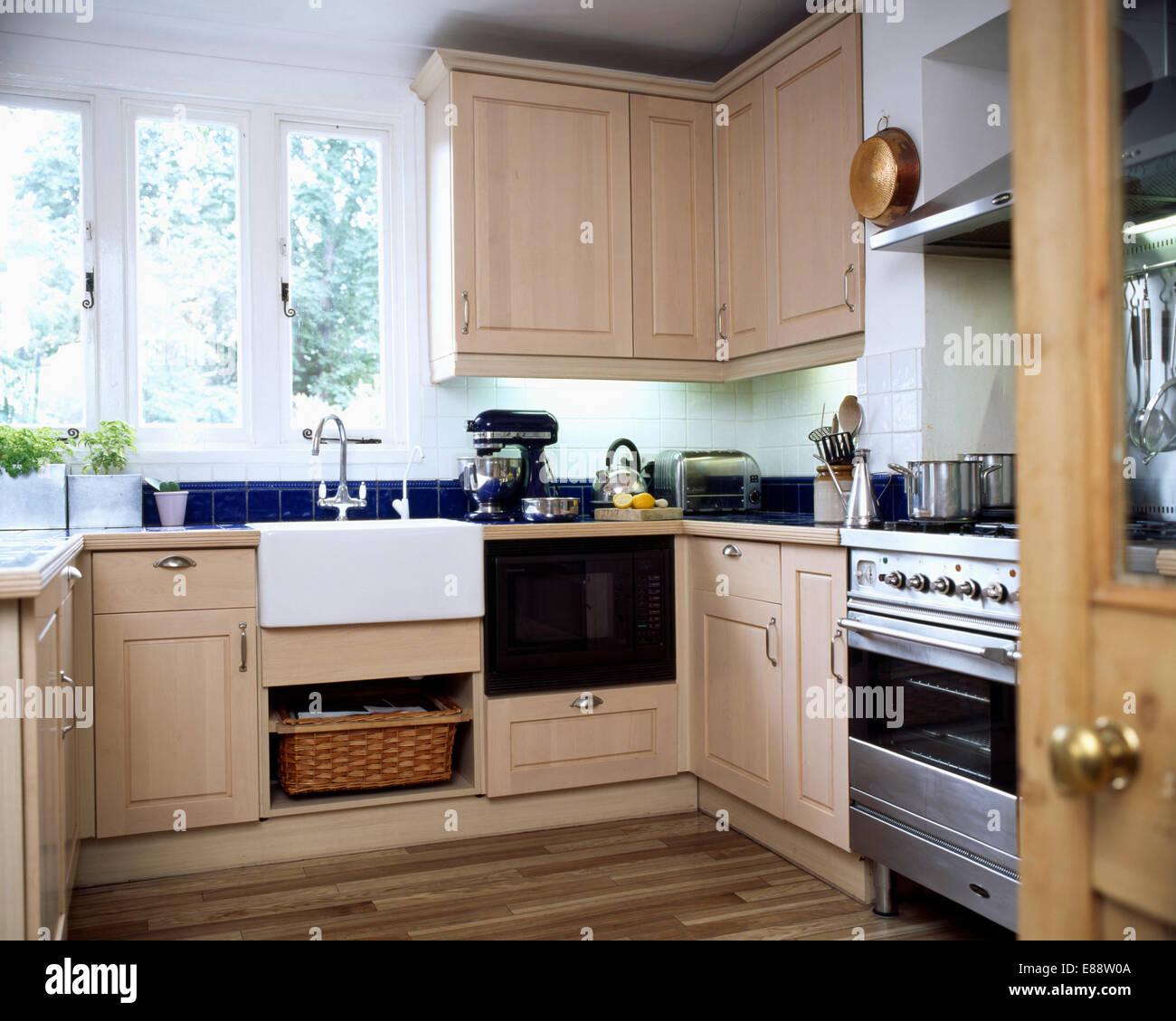 Belfast Lavello Sotto Finestra Nella Cucina Moderna Con