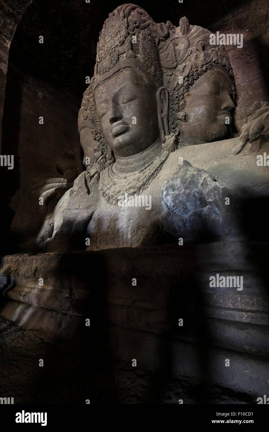 Trimurti Di Brahma Vishnu E Shiva Nella Grande Grotta Sul