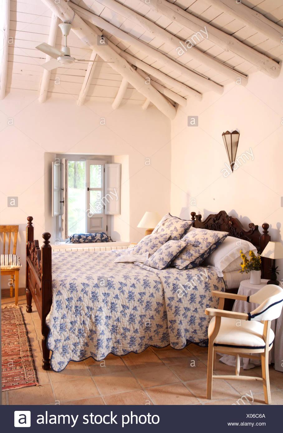 Soffitto In Legno Bianco Interesting Interno Di Una Casa In