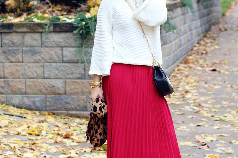 red-pleated-skirt-white-sweater-chloe-mini-drew-bag-6