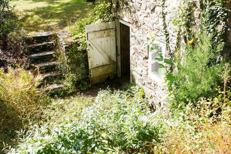 tyler-arboretum-springhouse-door
