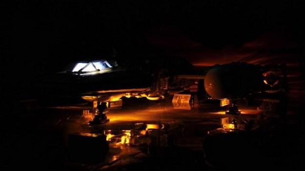 Y-wing - Landing gear bay lights