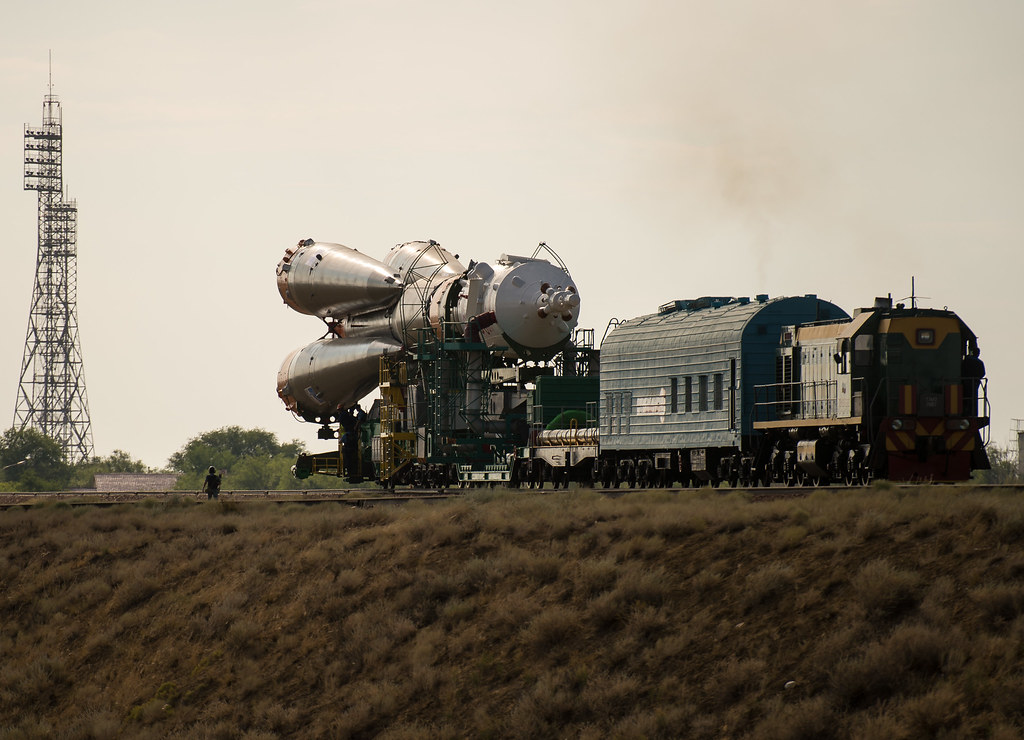 Expedition 48 Soyuz Rollout (NHQ201607040125)