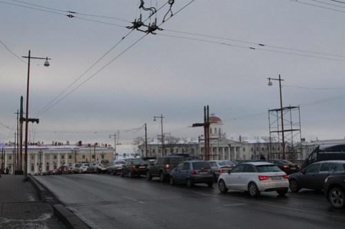 Connection between the two halves of the trolleybus overhead on Birzhevoy Bridge (Биржево́й мост)