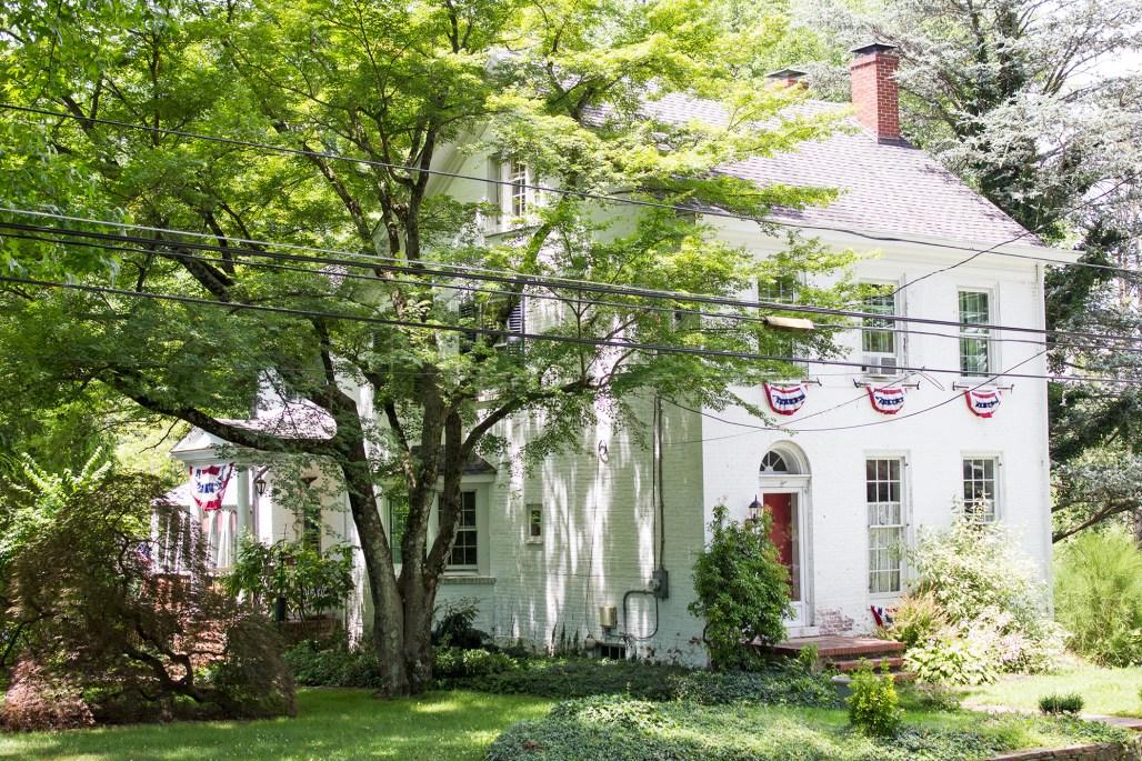 unionville-white-house-americana