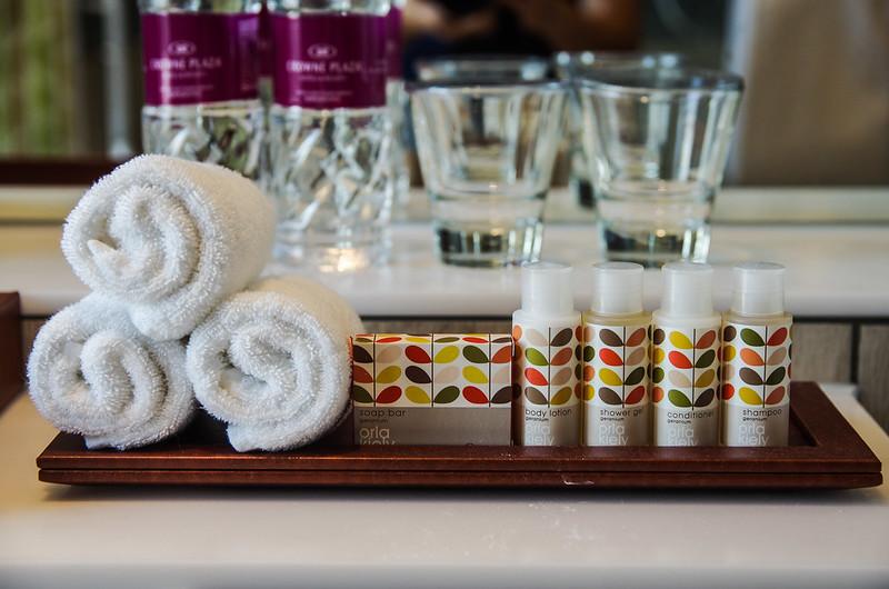crowne plaza changi airport bathroom amenities
