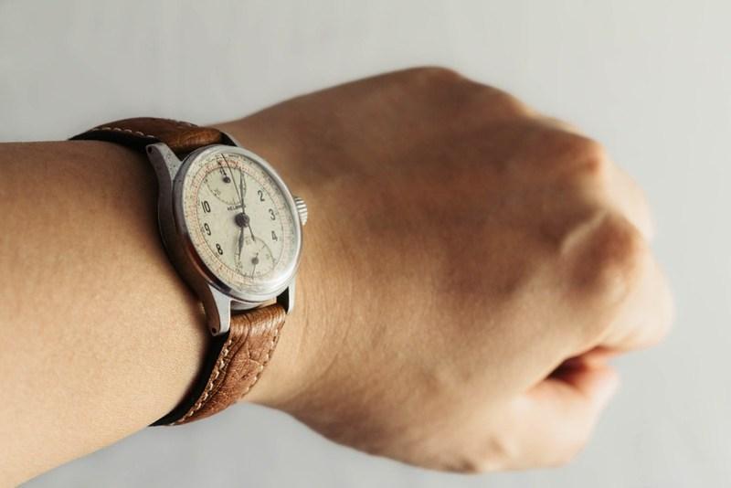 Vintage '40s Helbros chronograph wristshot