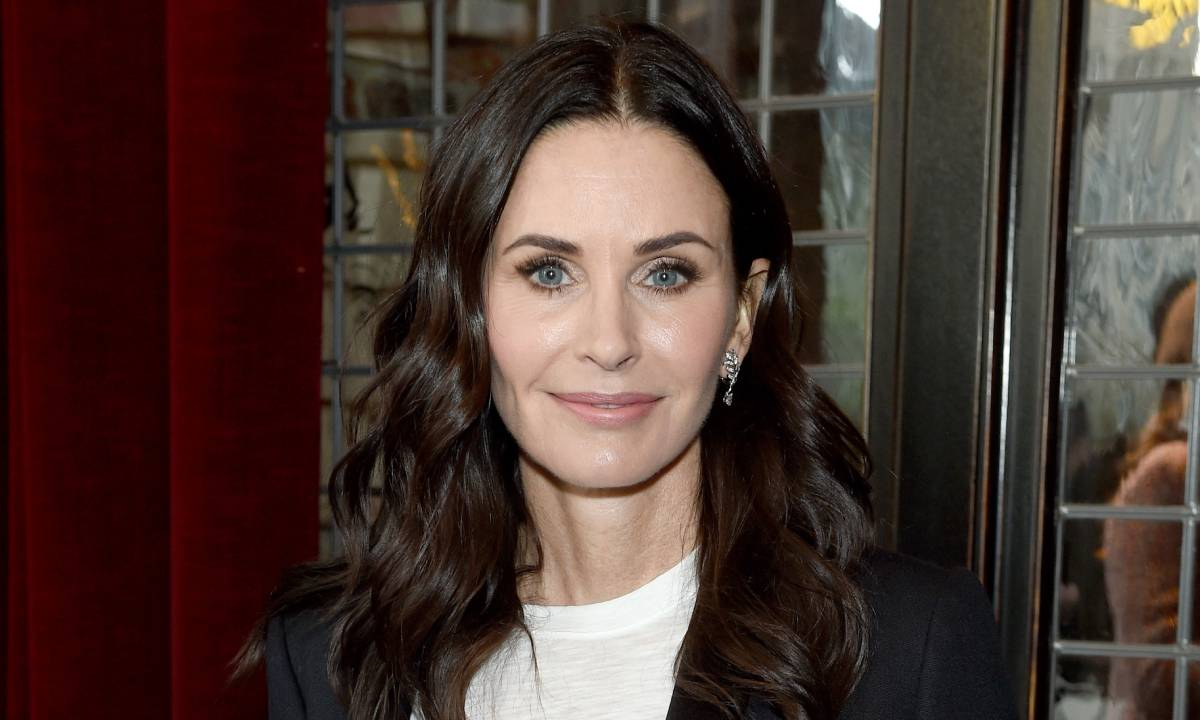 Friends star Courteney Cox shares glimpse of immaculate kitchen ...