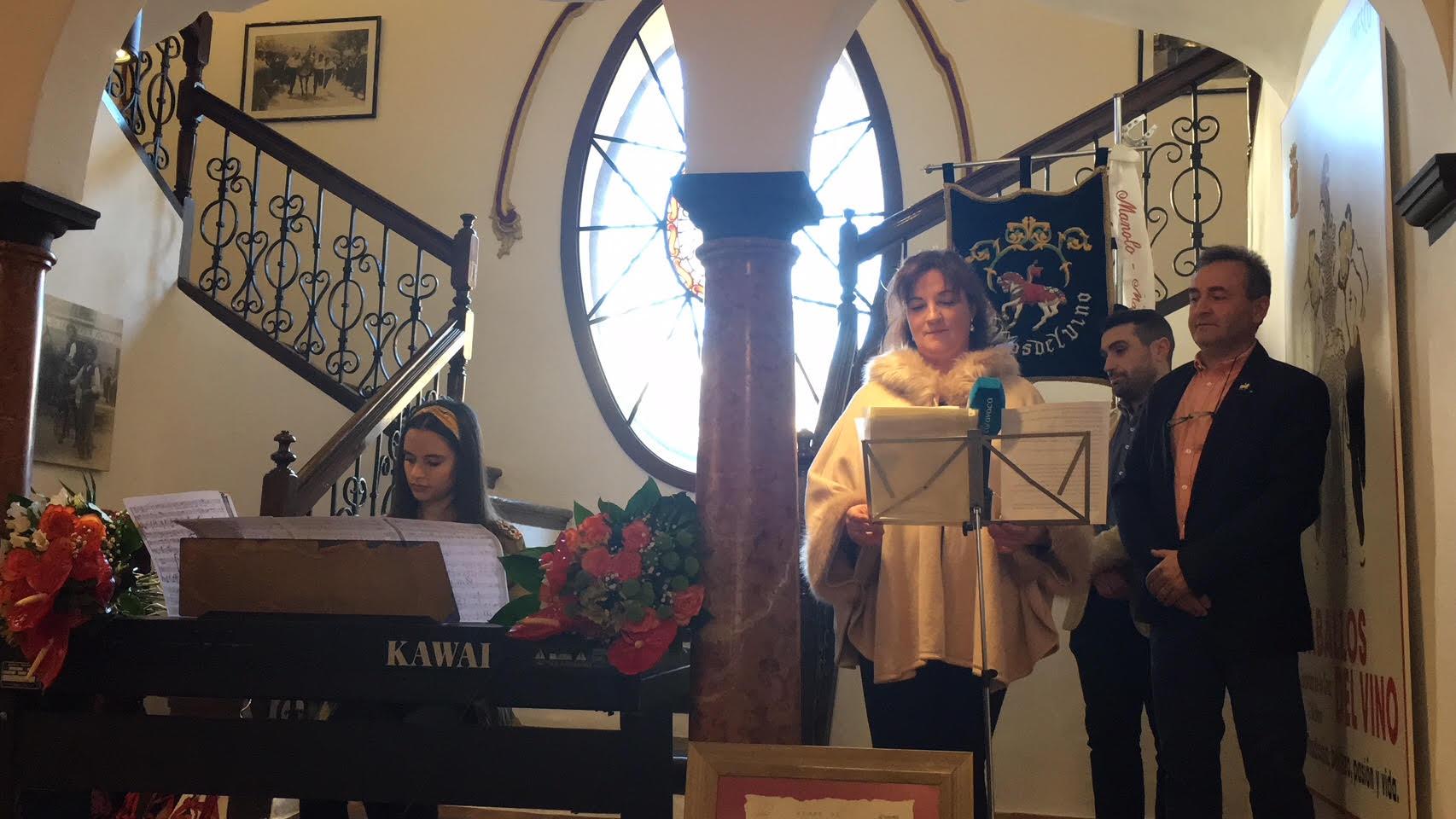 Entrega del Himno al Museo de los Caballos del Vino