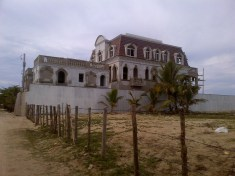 casa del rocon extremo izquierdo