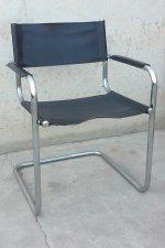 Cadira d'acer i cuir