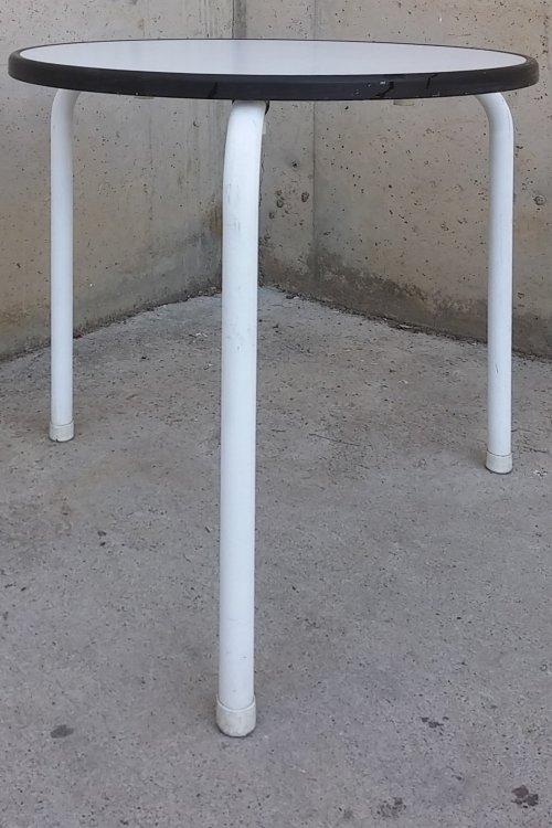 Taula blanca de terrassa d'ocasió a cabauoportunitats.com