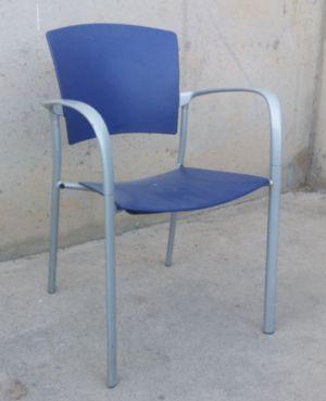 Cadira apilable pàstic i xapa de segona mà a cabauoportunitats.com Balaguer - Lleida - Catalunya