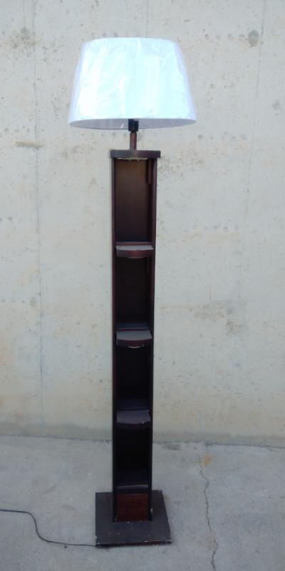 Columna fusta 186cm amb làmpada a cabauoportunitats.com Balaguer - Lleida - Catalunya