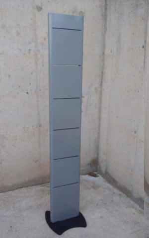 Expositor xapa 175cm d'ocasió a cabauoportunitats.com Balaguer - Lleida - Catalunya