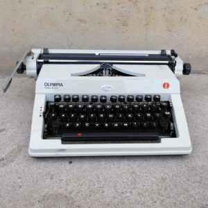 Màquina d'escriure OLYMPYA REGINA DE LUXE de segona mà a cabauoportunitats.com
