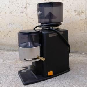 Molinet de cafè de segona mà en molt bon estat a cabauoportunitats.com Balaguer -Lleida - Catalunya