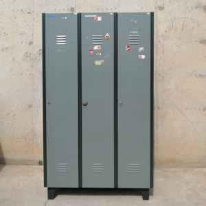 Mòdul de 3 taquilles de 94x46x178cm de segona mà a cabuaoportunitats.com Balaguer - Lleida - Catalunya