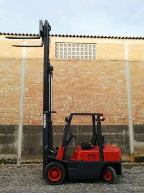 Toro NISSAN H25 de segona mà a cabauoportunitats.com Balaguer - Lleida - Catalunya