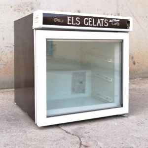 Congelador amb porta de vidre de segona mà a cabauoportunitats.com Balaguer - Lleida - Catalunya
