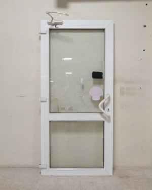 Puerta PVC blanca de segunda mano en venta en cabauoportunitats.com Balaguer - Lleida - Catalunya