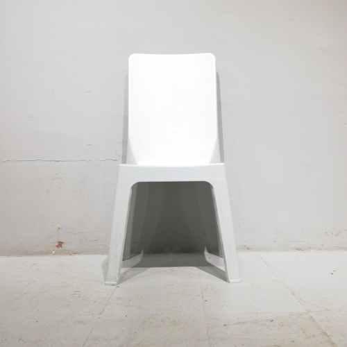 Cadires apilables de plàstic de respatller alt d'ocasió en venda a cabauoportunitats.com Balaguer - Lleida - Catalunya