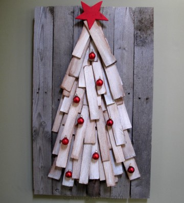 christmas-tree-made-from-cedar-shingles-and-pallet-wood-easy-diy-635x700